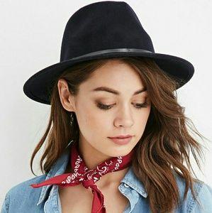 NAVY SUEDE HAT