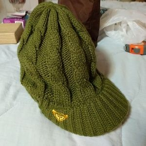 Roxy army green cable knit beanie with rim