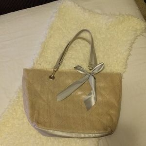 Handbags - Linen quilted tote bag