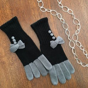 🆕 Black & Gray Bow Knit Gloves