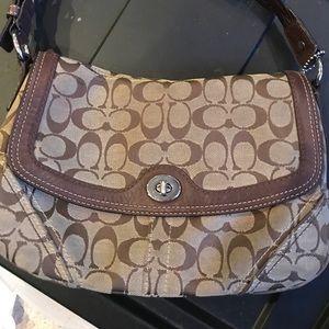 Coach small/med Shoulder Bag