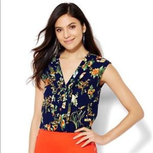 NY &Co. Pleated Floral Blouse