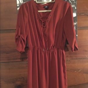 Knee length flows maroon lightweight dress