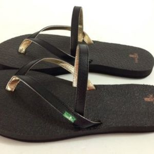 Sanuk Yoga Mat Sandals *NWOT *