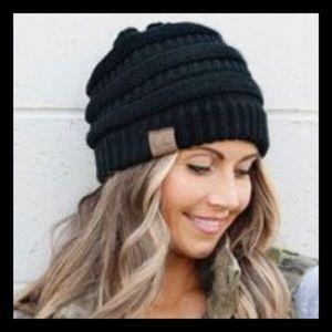 🆕 Knit Beanie in Black