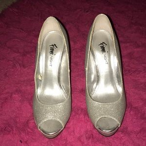 Fioni night sliver peep toe 3-4 inch high heels