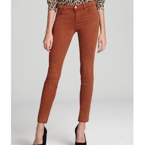 J BRAND SUPER SKINNY STY 620O222 in BOURBON