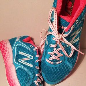 NWOT New Balance running shoes size 8 1/2