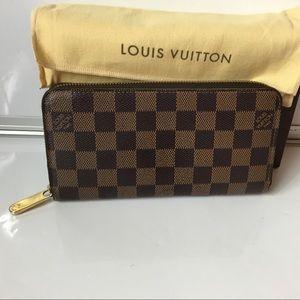 100% Authentic Louis Vuitton Damier Zippy Wallet