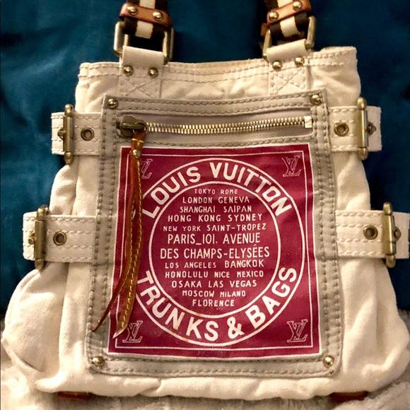 247515c28 Louis Vuitton Bags | I Day Sale Lv Globetrunks N Toile Shopper ...