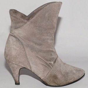 Vintage gray suede bootie sz 6