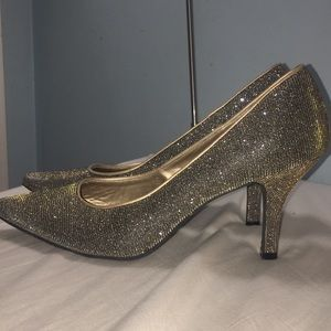 Fioni Night metallic silver and gold heels