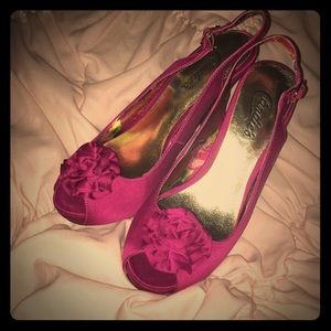 Fuschia candies open toe heel sz 6 Medium, new