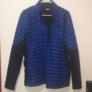 North Face blue thermoball hybrid jacket.