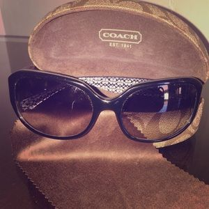 Coach Round Sunglasses with case