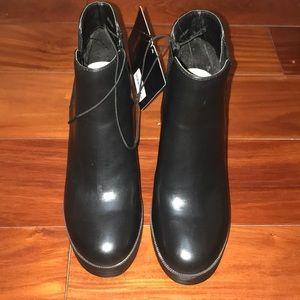 Black Forever 21 platform heels boots