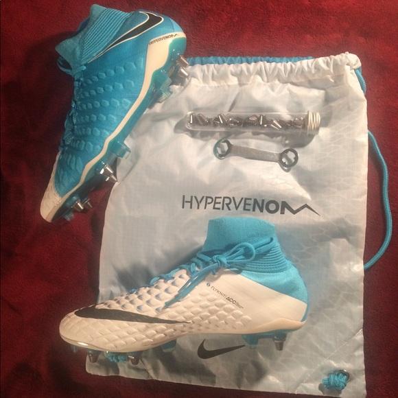 0118f29a435 Nike Hypervenom Phantom III DF SG-PRO 852553-104. M 5a16a108fbf6f9dde5022ec6