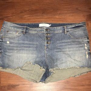 Torrid cut off shorts 3 button