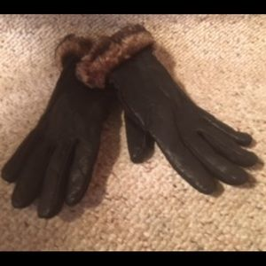 Aria Black Leather and Faux Fur Gloves