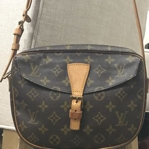 Louis Vuitton | Monogram Canvas | Cross Body