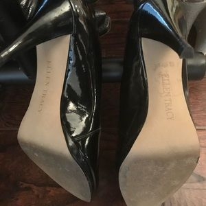 Ellen Tracy Patent Leather Pumps