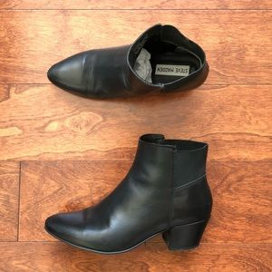 Black Leather Steve Madden Pointed Toe Booties 7M