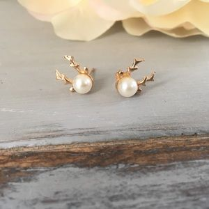🆕 Gold Toned Reindeer Earrings with Faux Pearl