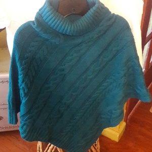 Beautiful Sweater Cape/Shrug/Poncho!
