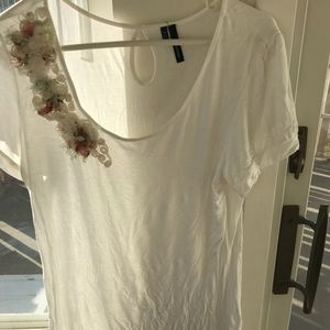 Cute with Blouse with flower and fringe beading