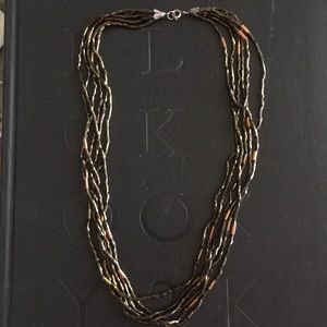 Jewelry - Shiny brown beaded necklace