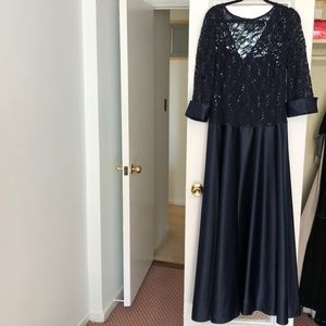 Blue gown with lace overlay and sequins - worn 1 x