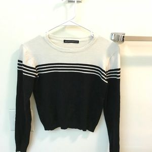 Brandy Melville Cropped Stripped Sweater