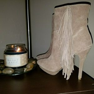 Nwot or box Jeffrey Campbell booties