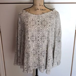 Urban outfitters women's sweater/shirt