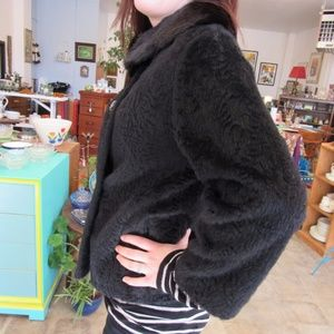 Vintage Black Short Wool Coat and Mink Collar
