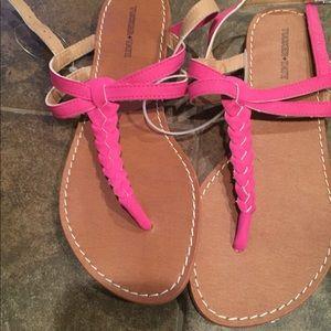 NEW Tucker + Tate sandal