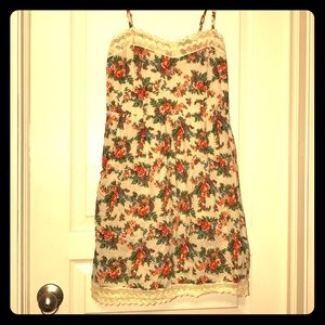 Floral dress! Adorable with pockets!