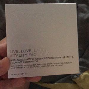 It cosmetics highlight blush and bronzer