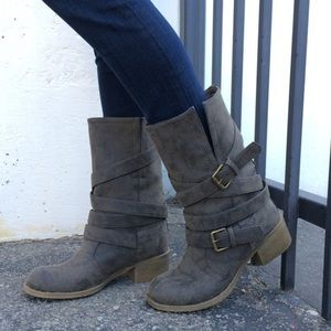 NEW Chinese Laundry Boots