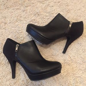 🖤 Unlisted by Kenneth Cole Black Heels Size 8M