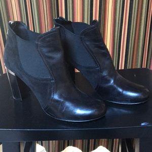 Donald Pliner black booties