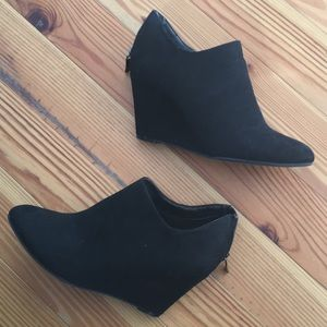 Shoes - Wedge booties