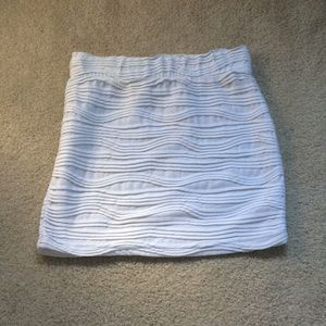 BCBG Lola size XS textured mini skirt