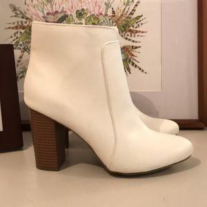 MIA White Booties NWOB