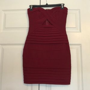 Burgundy bodycon strapless dress