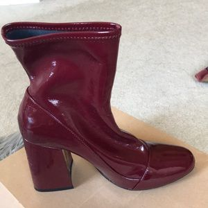 Beautiful leather ankle boot, shiny maroon.