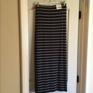 Old Navy bundle of 3 long skirts size small