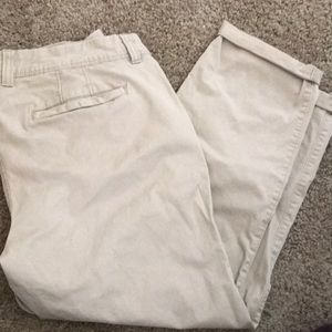 Old navy boyfriend khakis 10 regular