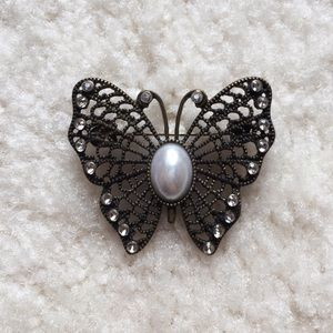 Vintage butterfly brooch with faux pearls