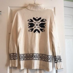 Snowflake sweater- black and white